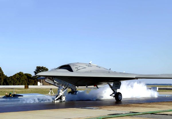 Northrop Grumman, U.S. Navy Conduct First Arrested Landing of X-47B