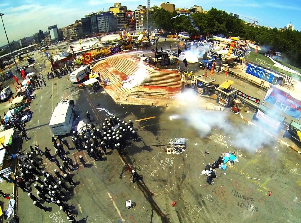 Photo of Taksim Gezi Park Protests by Jenk.