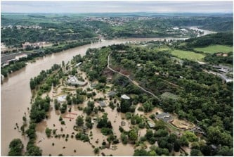 uavs_are_used_to_monitor_czech_floodingsjpg