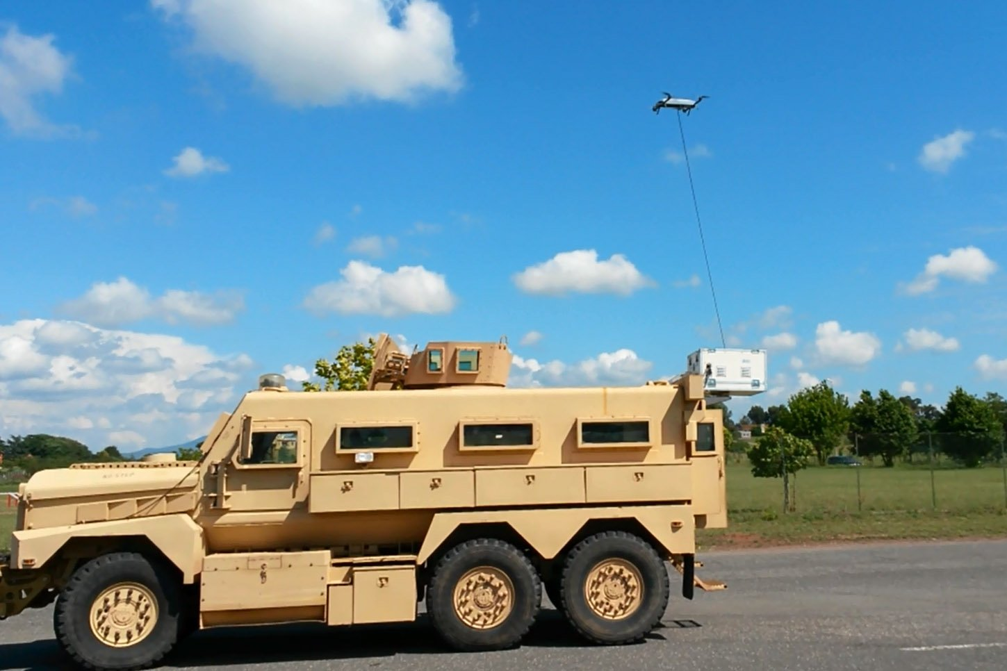 Italian Army Is Evaluating A Tethered Uav For Convoy