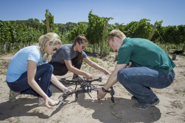 MTSU Students fly small unmanned aircraft in Argentina